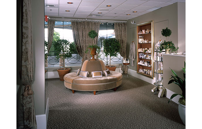 Worldmark-Salon-Front-Desk
